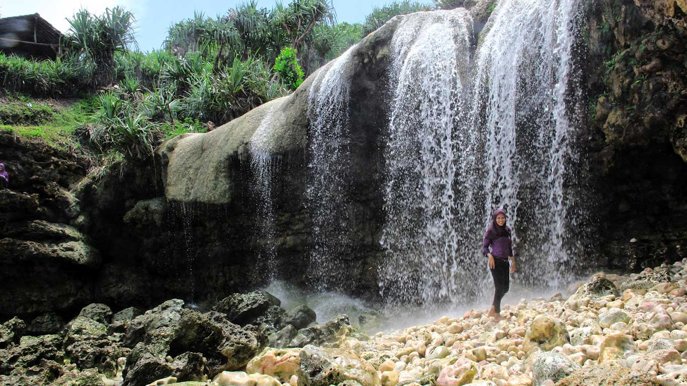 Air Terjun Pantai Jogan