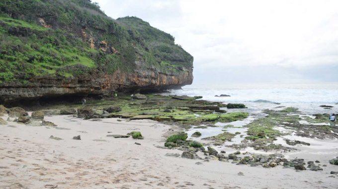 Pantai Butuh