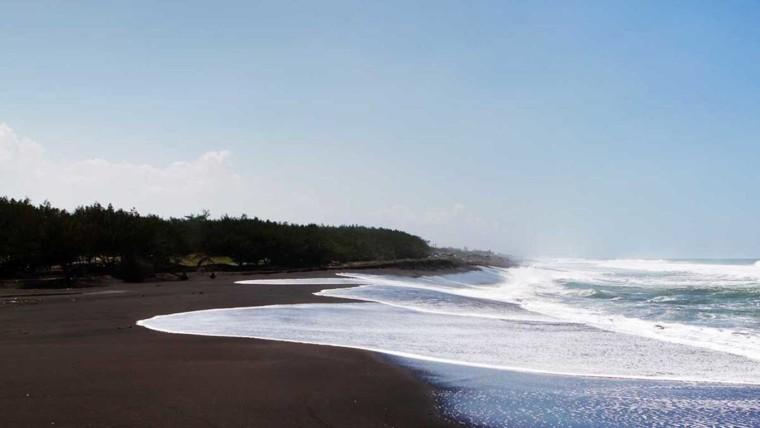 Pantai Congot
