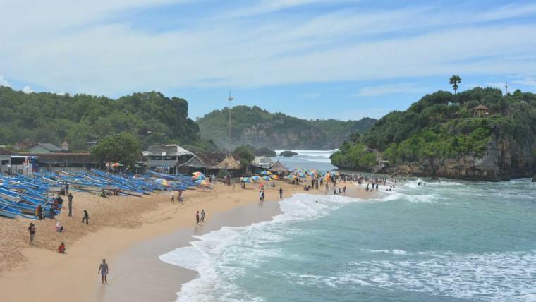 Pantai Jungwok Htm Rute Foto Ulasan Pengunjung