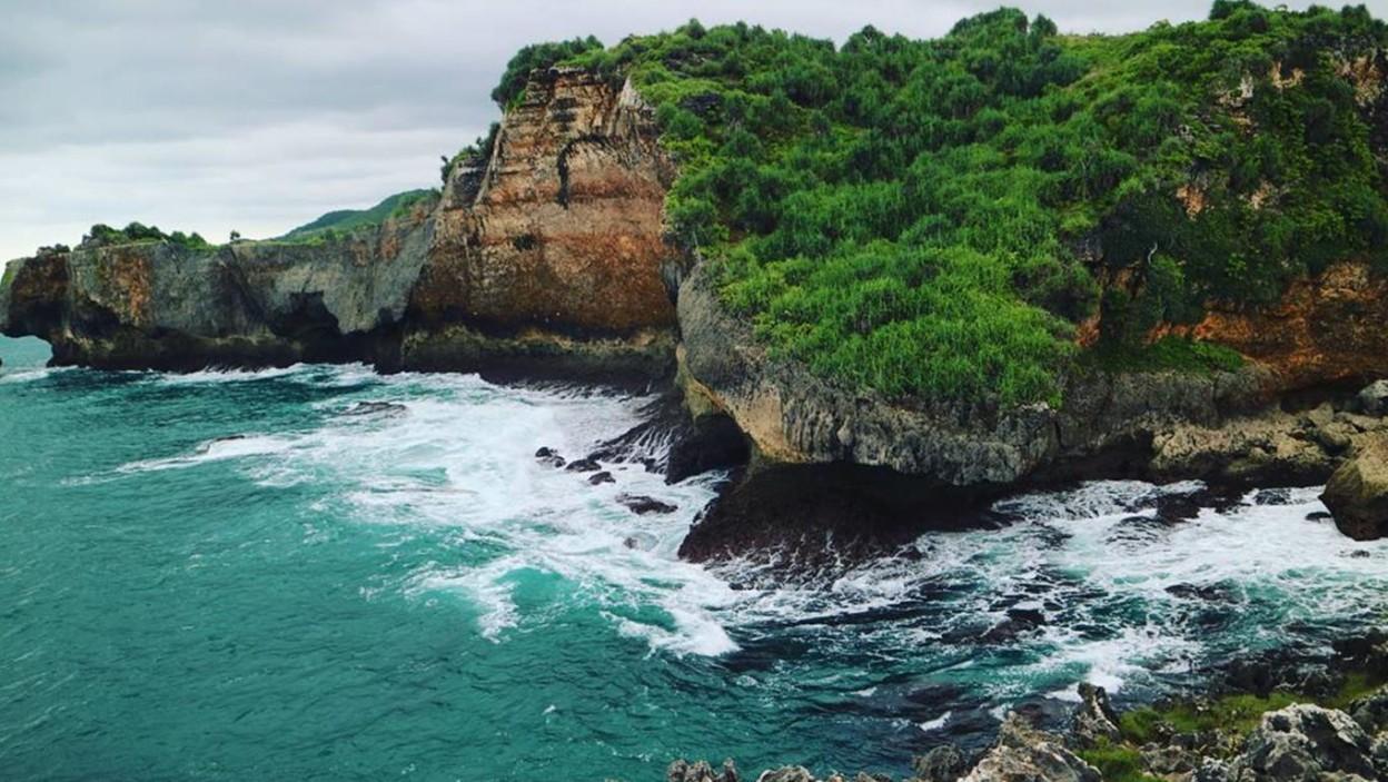Pantai Mbirit