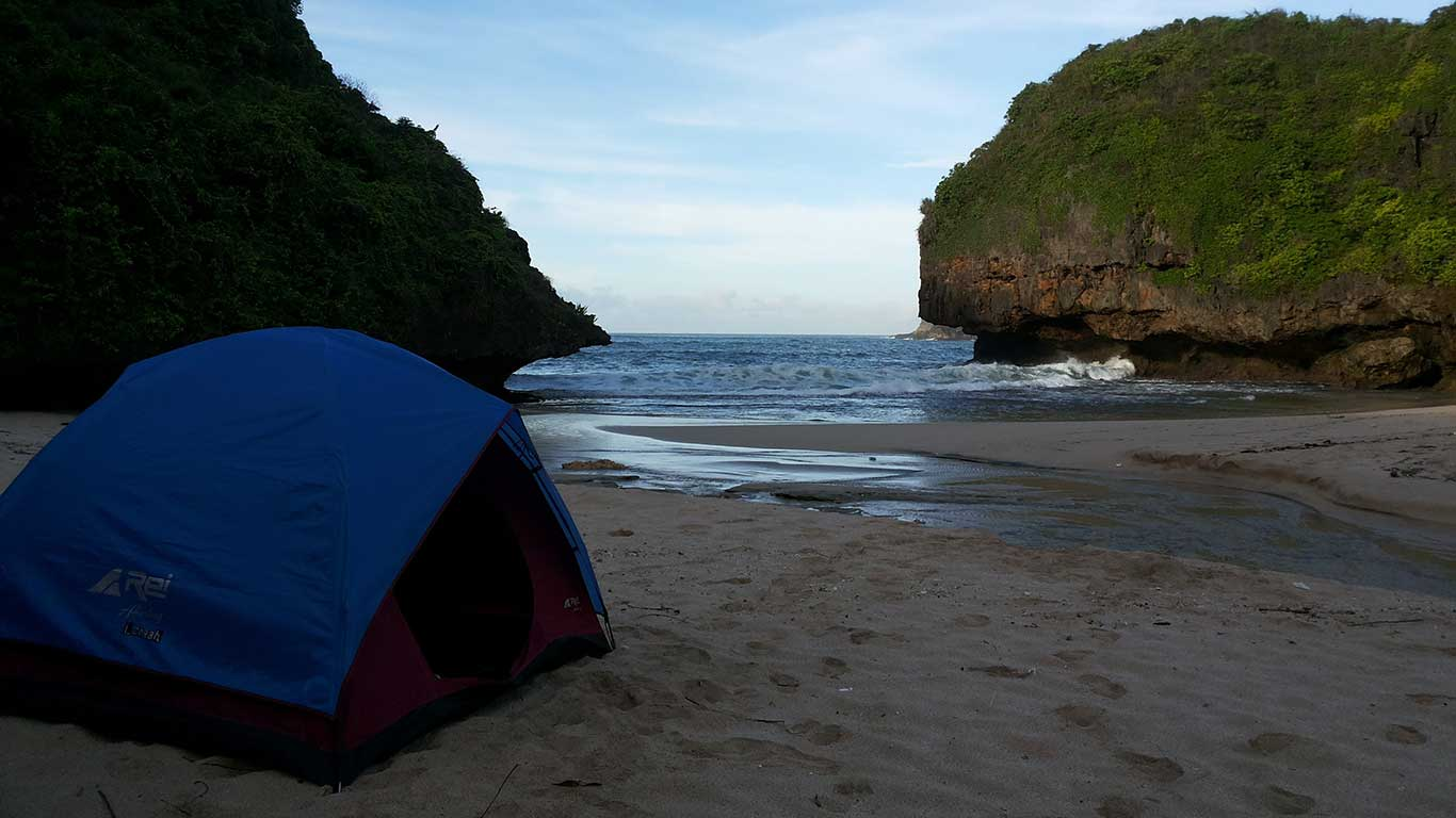 Camping Pantai Greweng