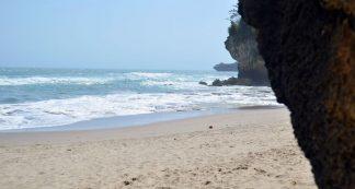 Pantai Goa Langir