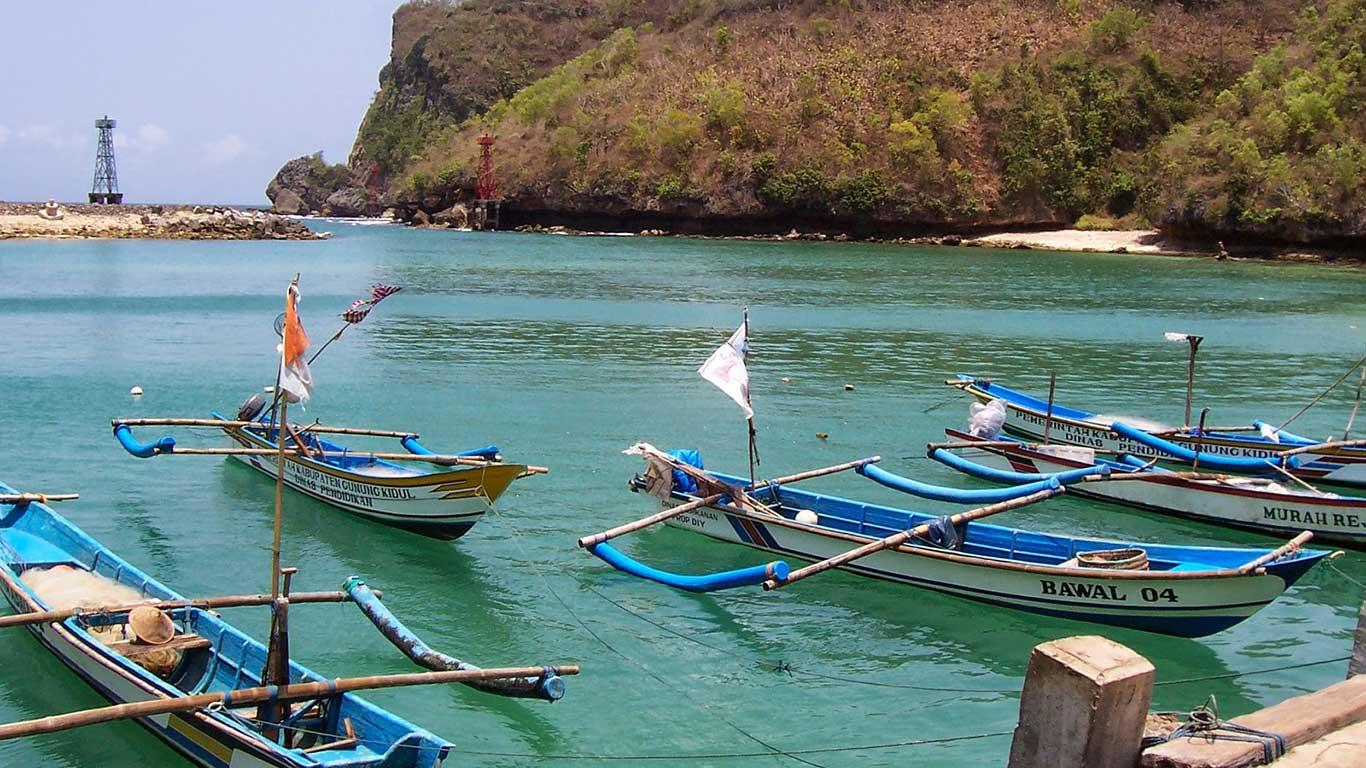 Perahu-Pantai-Sadeng