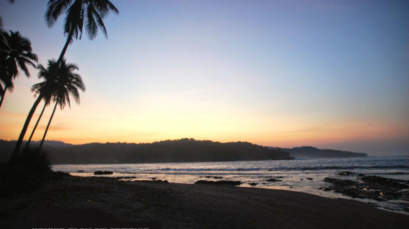Sunset Pantai Karang Beureum