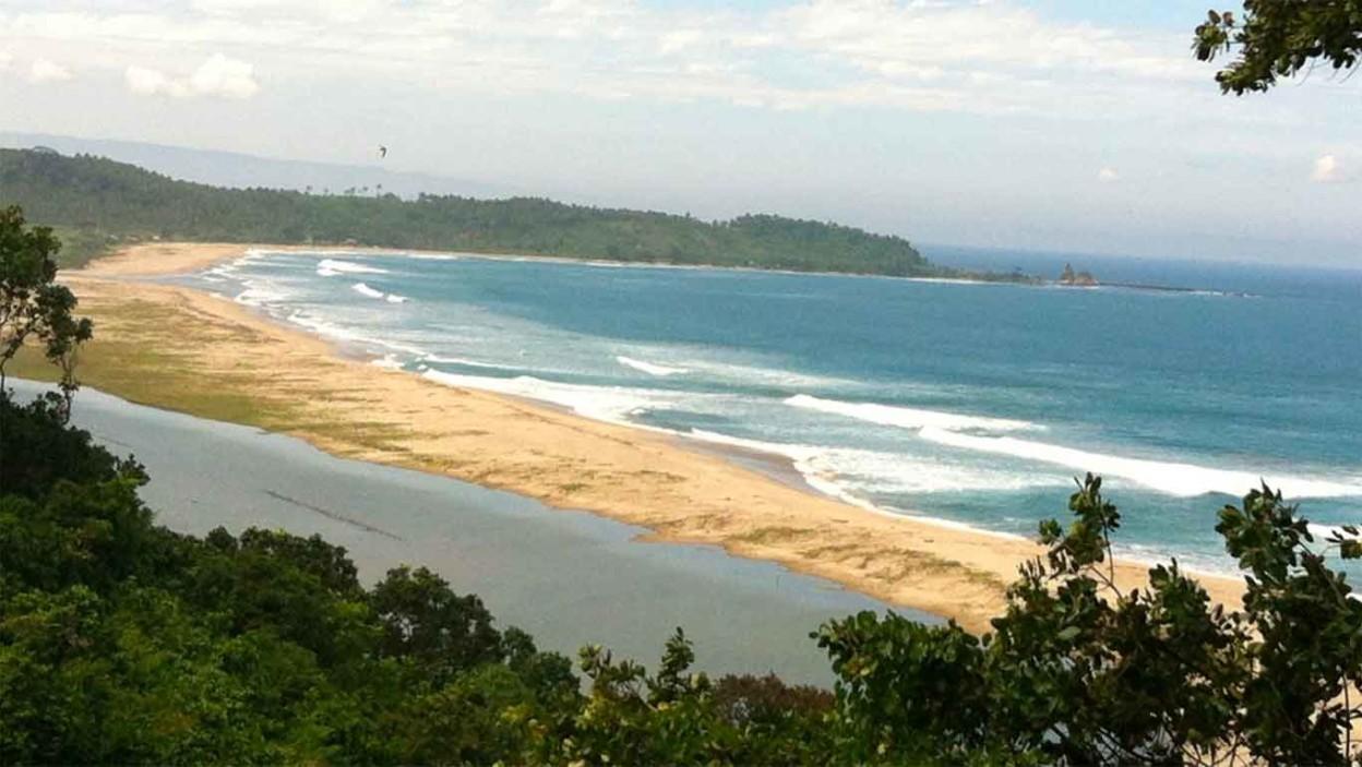 Pantai Ciantir Sawarna