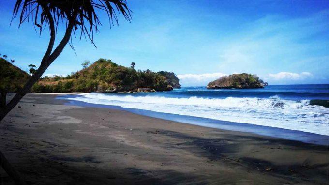 Pantai Bajul Mati - Rute Menuju lokasi dan Harga Tiket masuk