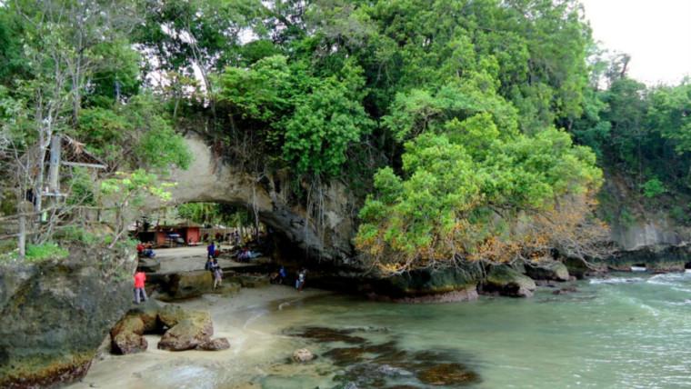 Pantai Karang Bolong Anyer
