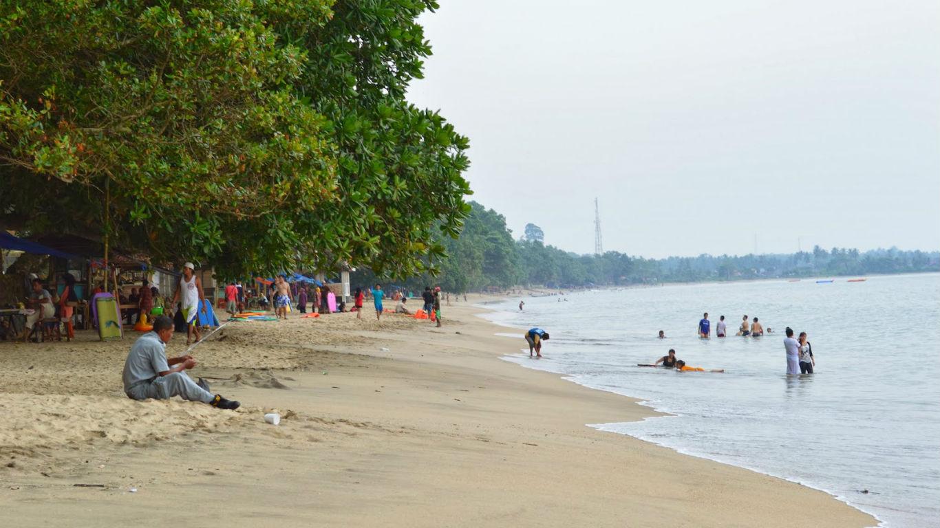 Pemandangan Pantai Carita Anyer