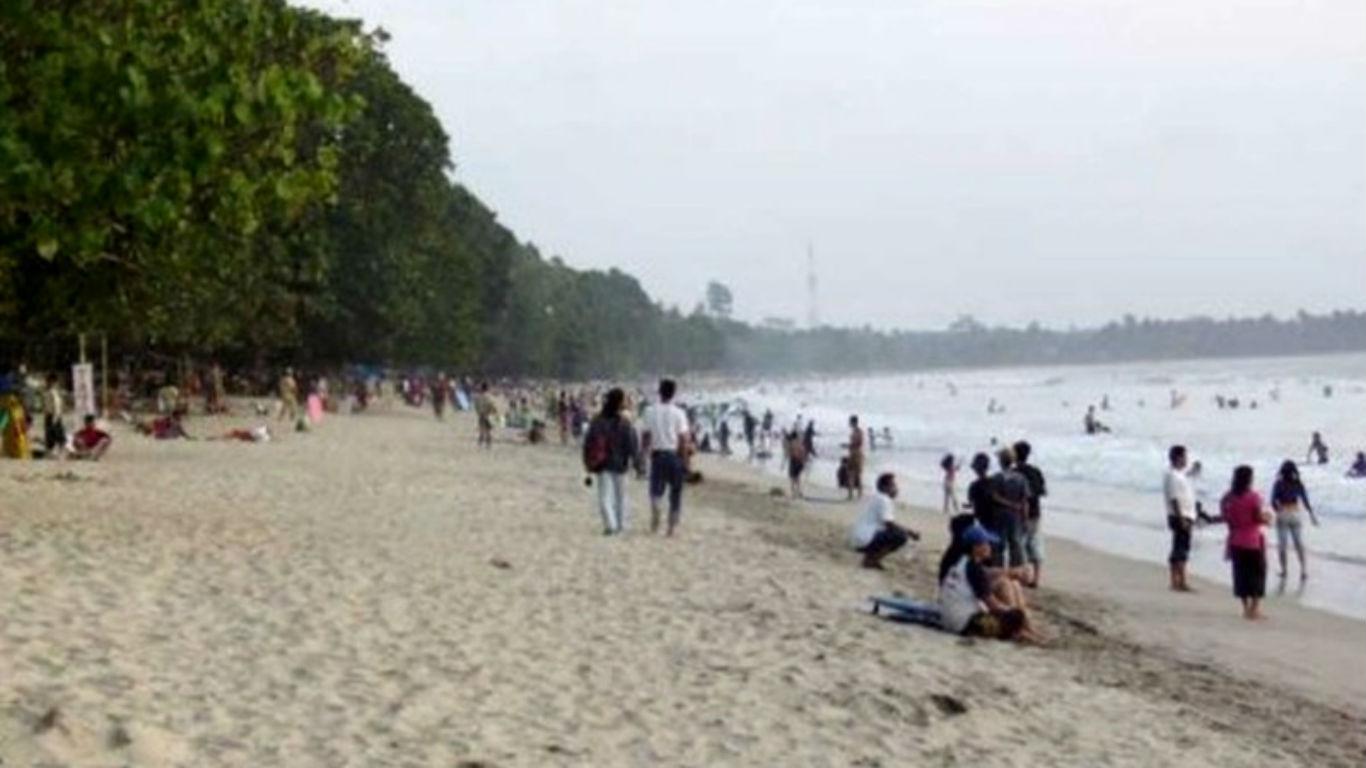 Pesisir Pantai Marina Anyer