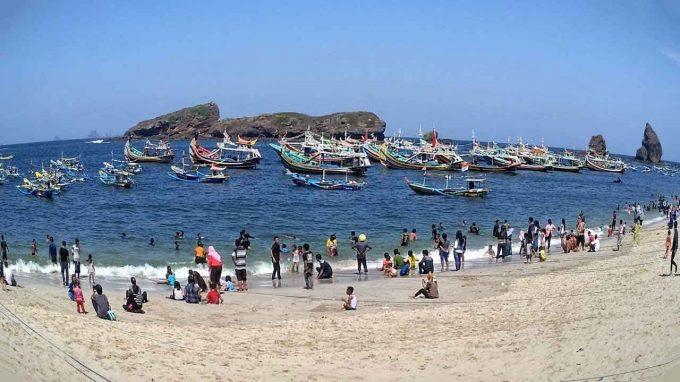 Pantai Papuma Rute Menuju Lokasi Dan Harga Tiket Masuk