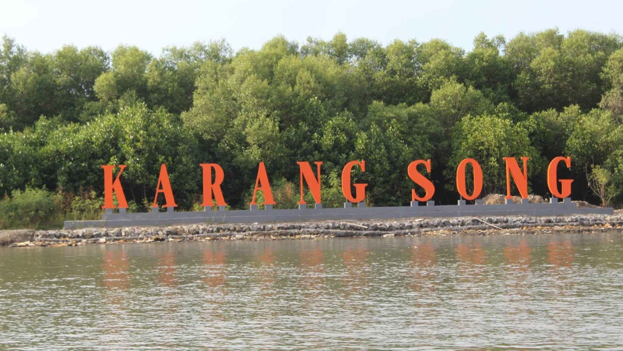 Pantai Karang Song