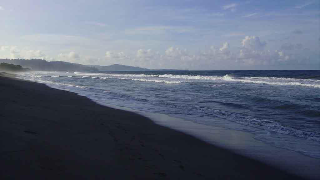 Pantai Amban