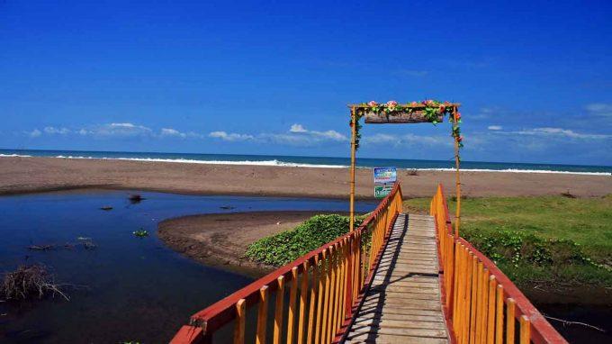 Pantai Bopong.