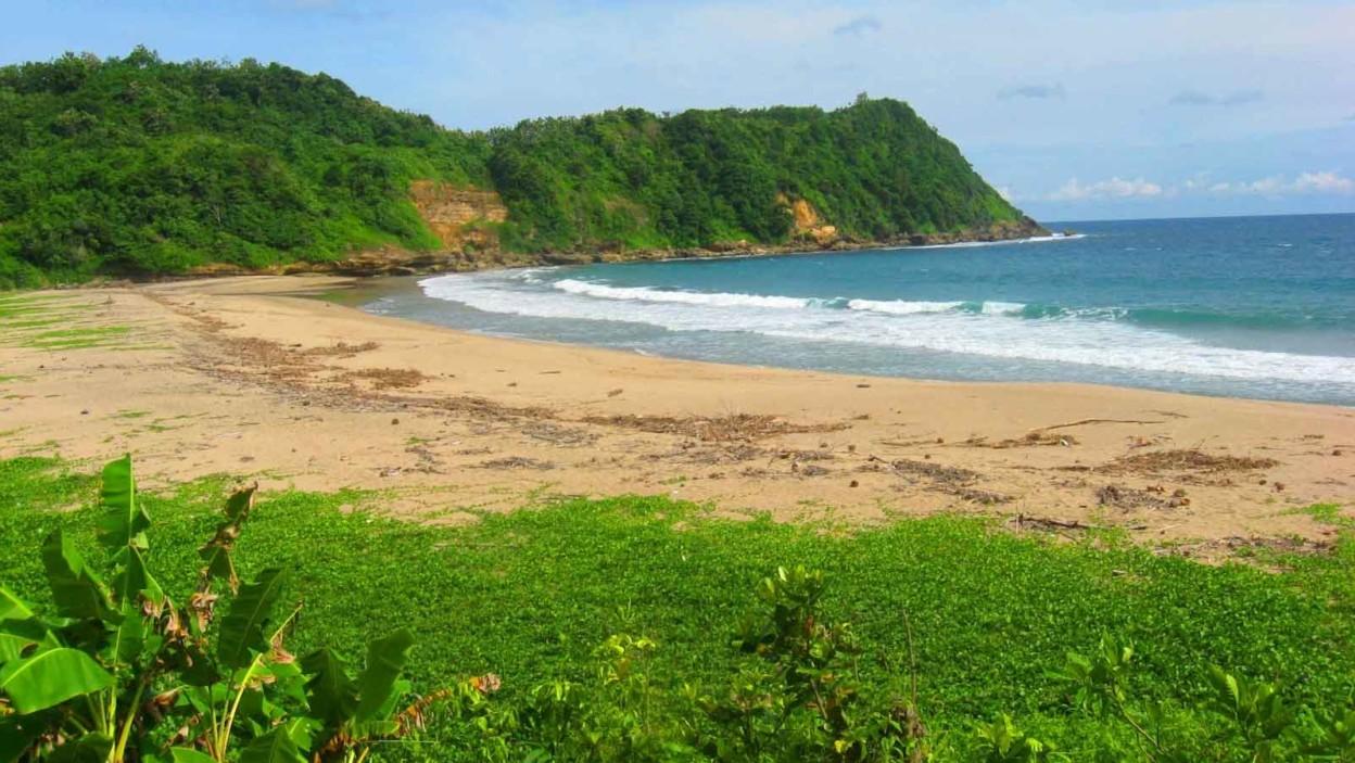 Pantai Gayasan