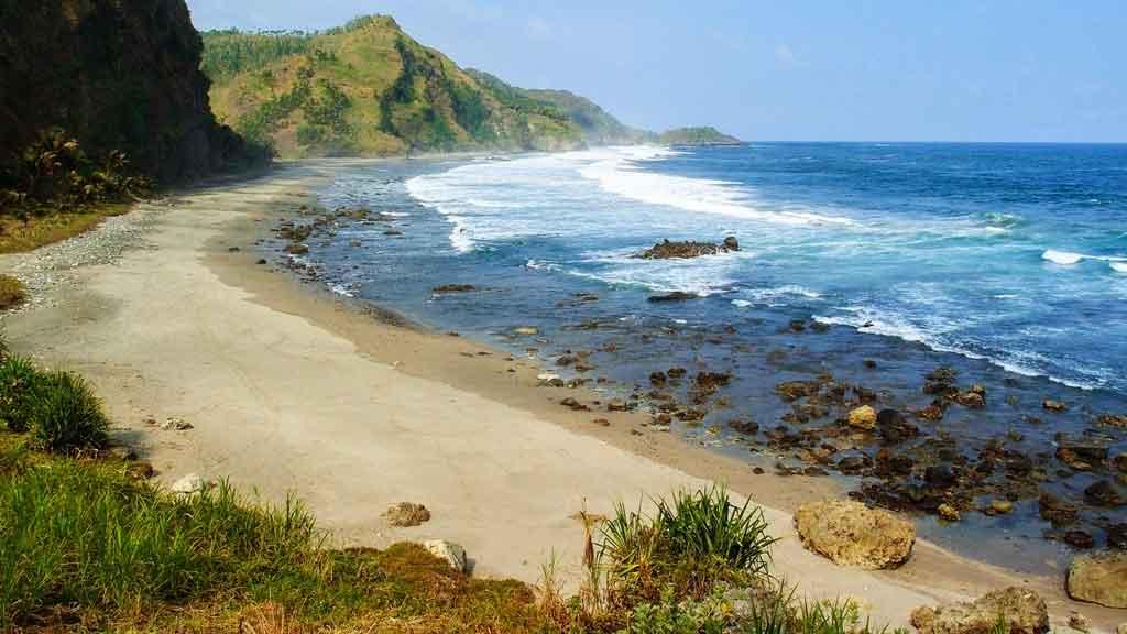 Pantai Gebyuran