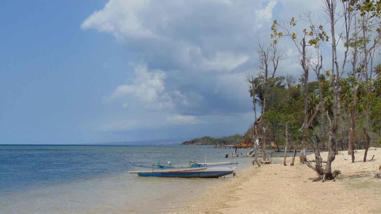 Pantai Kahona