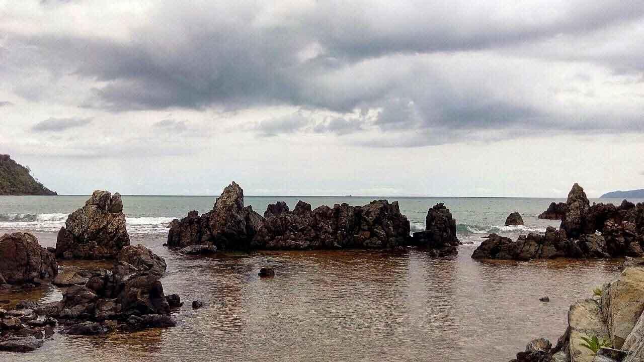 Pantai Karang Bebai