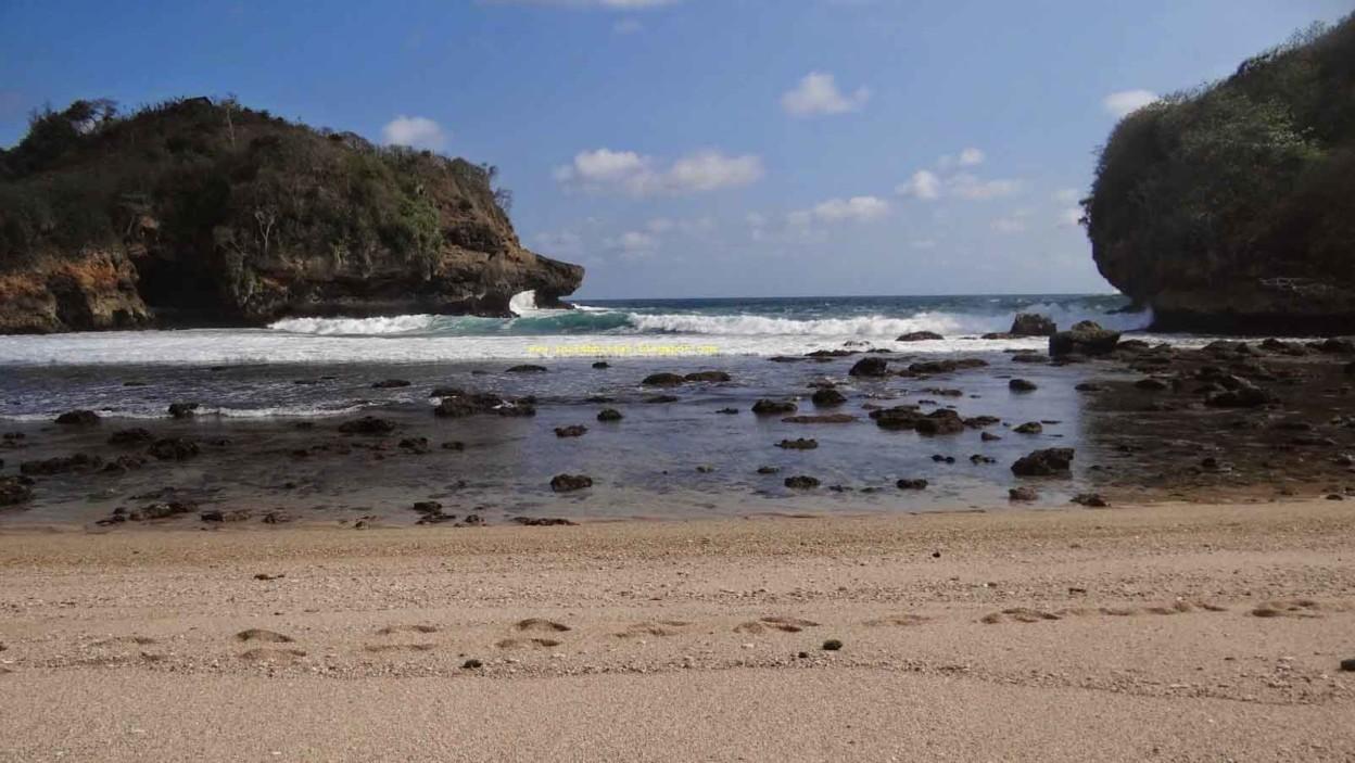 Pantai Keben