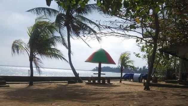 Pantai Payung