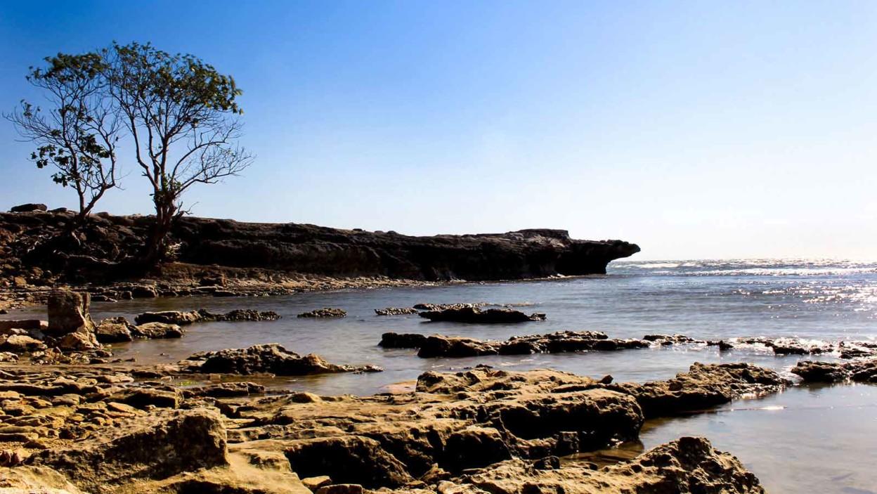 Pantai Punaga