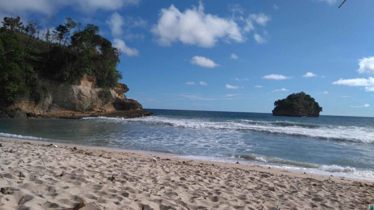 Pantai Sioro