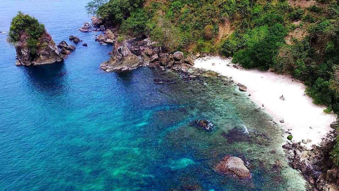 pantai wedi putih - Berikut Ini Alasan Wajib Untuk Eksplor Pantai Wedi Putih, Hidden Paradise!