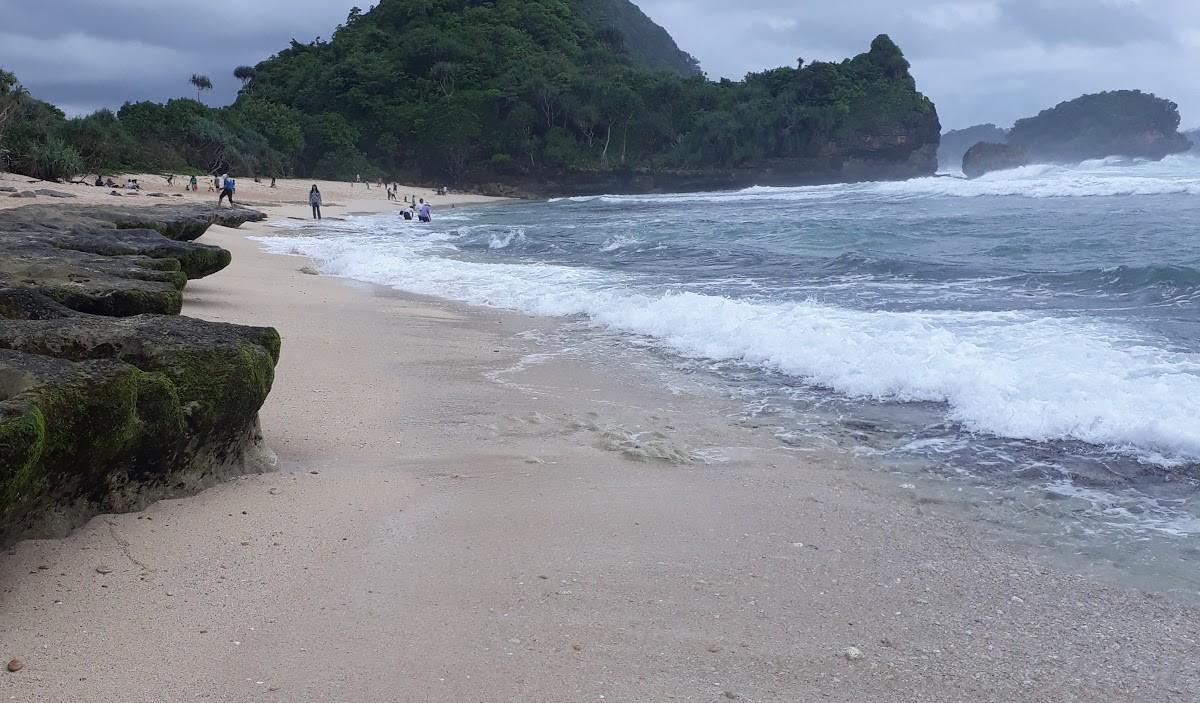 Pantai Goa Cina Htm Rute Foto Ulasan Pengunjung