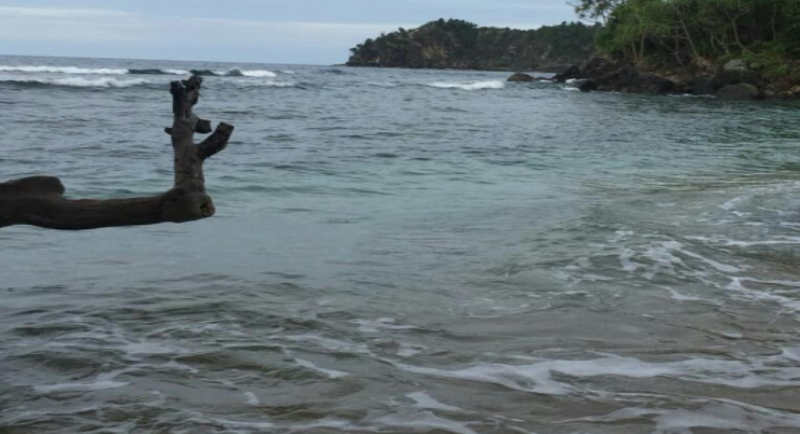 Fasilitas Pantai Pasir 6 Angkasa