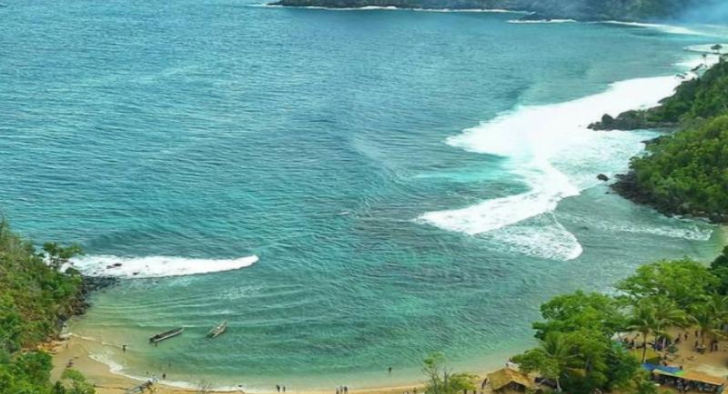 Objek Wisata Pantai Pasir 6 Angkasa