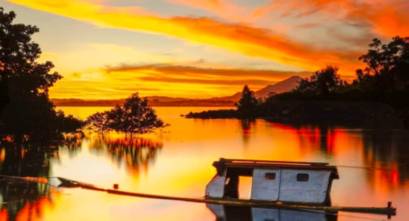 Objek Wisata Pantai Malalayang