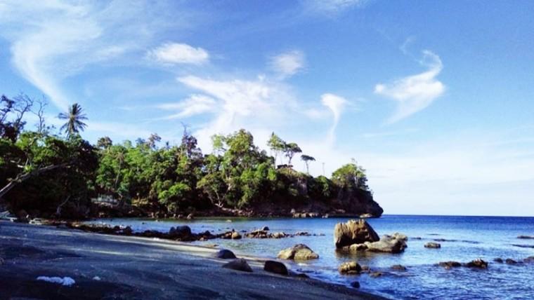 Pantai Anoi Hitam