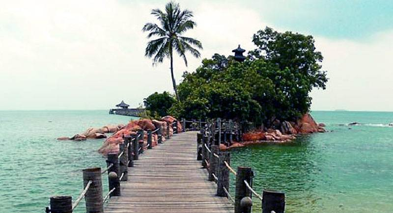 Dermaga Pantai Nongsa Batam