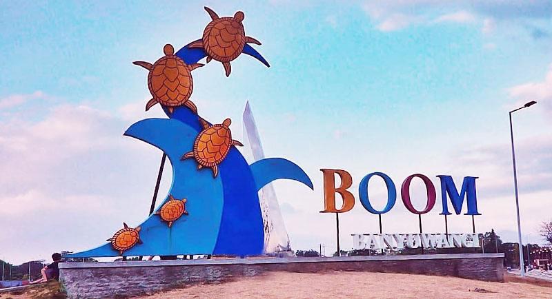 Gerbang Pantai Boom Banyuwangi