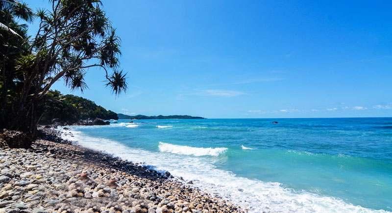 Indahnya Pantai Pidakan
