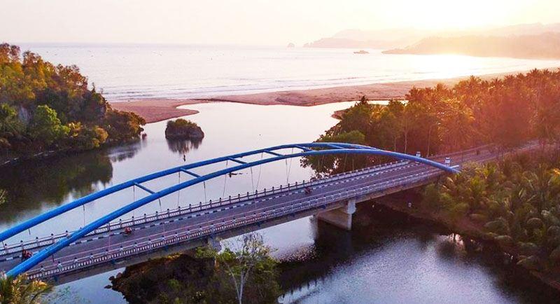 Jembatan Di Pantai Soge