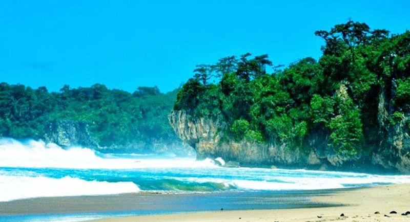 Pantai Ciantir Sawarna Banten
