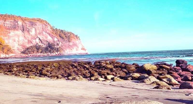 Pantai Sangklehan Pacitan