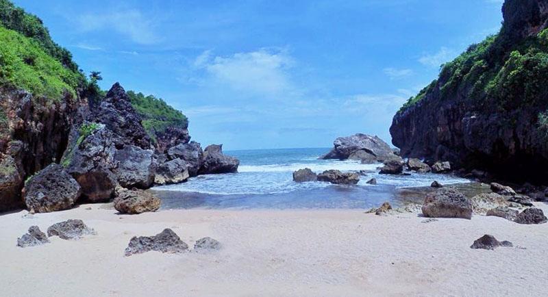 Pantai Wohkudu Gunungkidul