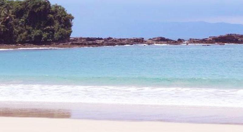 Pemandangan Pantai Ciantir