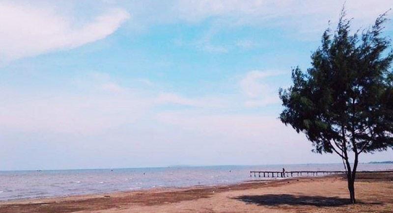 Pemandangan Pantai Tanjung Pakis