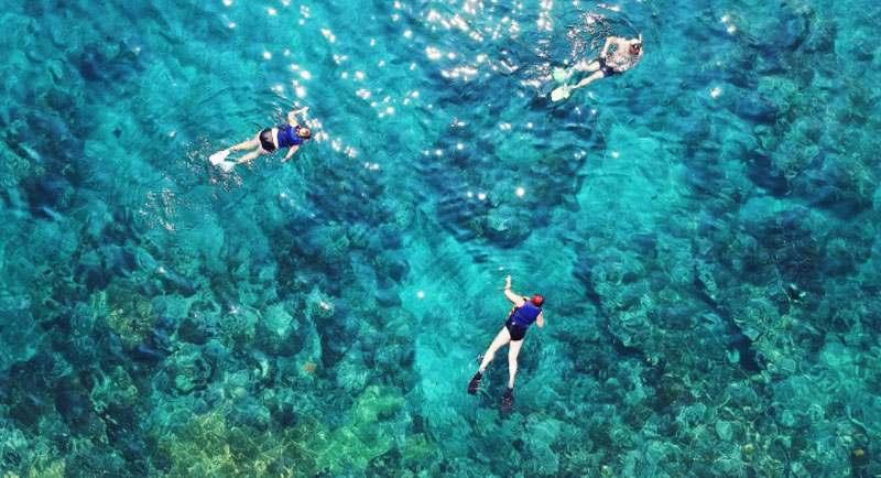 Snorkerling Di Pantai Sambolo