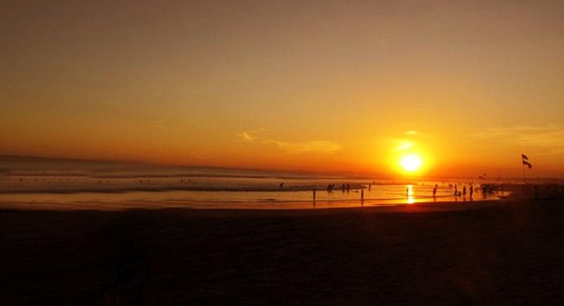 Sunset Di Pantai Batu Karas