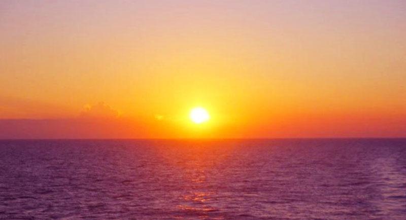 Sunset Di Pantai Legon Pari