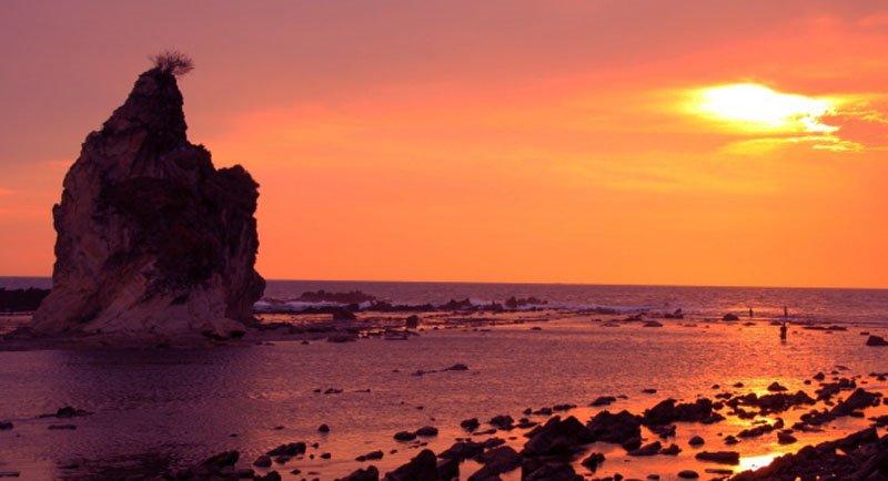 Sunset Di Pantai Tanjung Layar