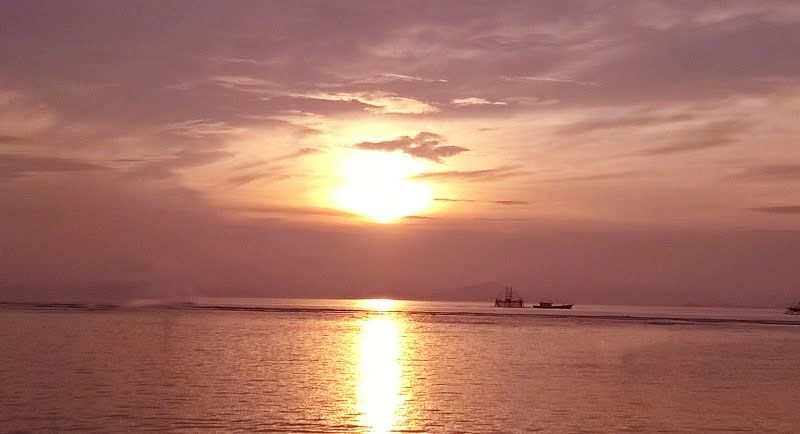Sunset Dipantai Sebalang