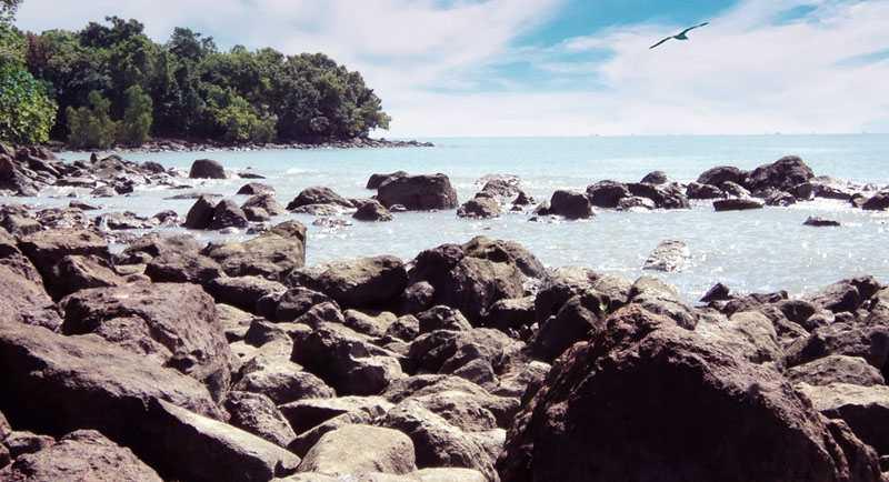 Wisata Pantai Gosong