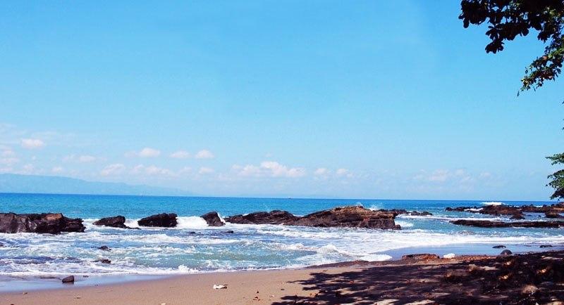 Wisata Pantai Pelabuhan Ratu