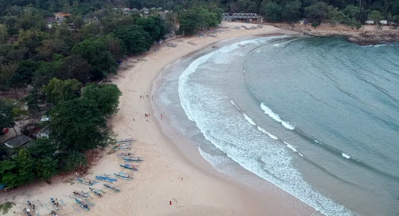 Wisata Pantai Pulau Manuk