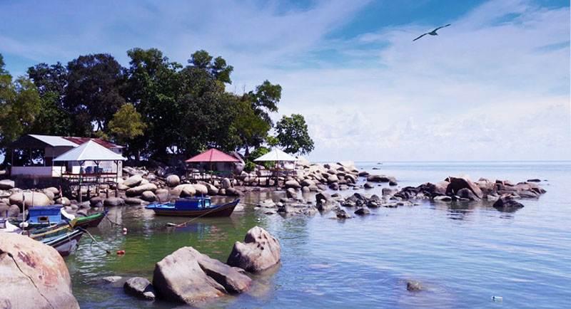 Wisata Pantai Samudra Indah